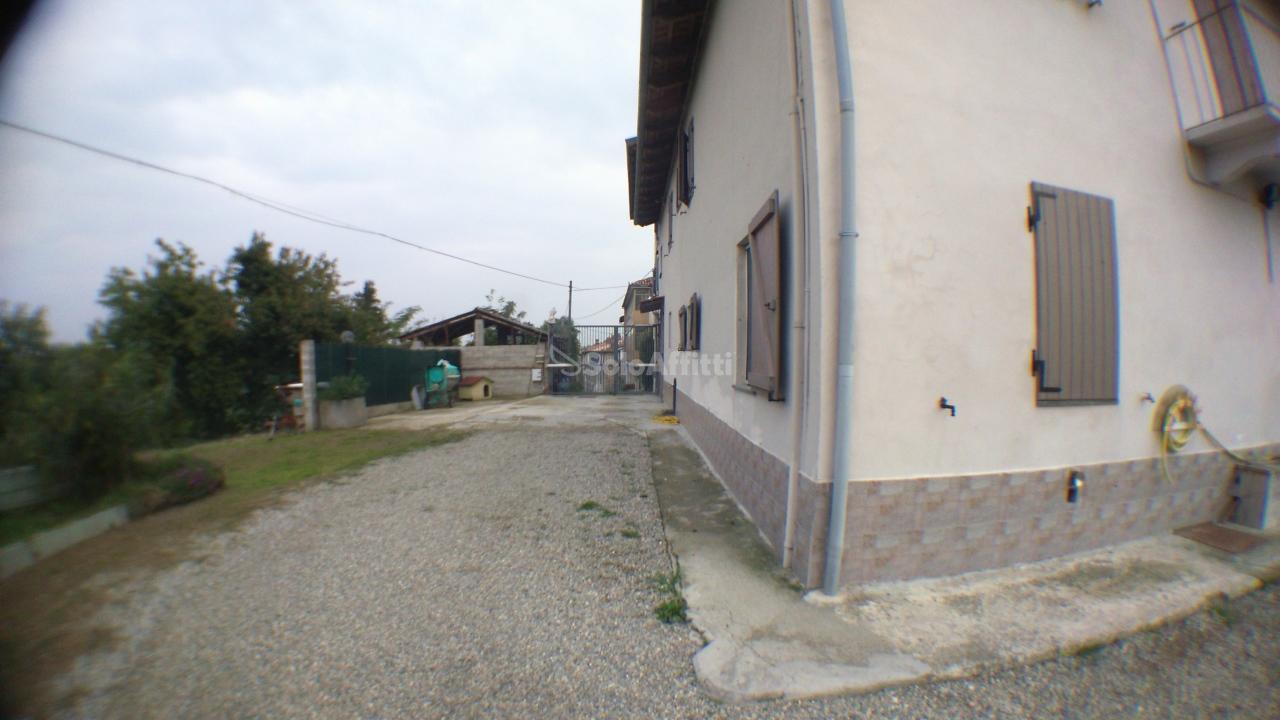 Villa in buone condizioni in affitto Rif. 9679337