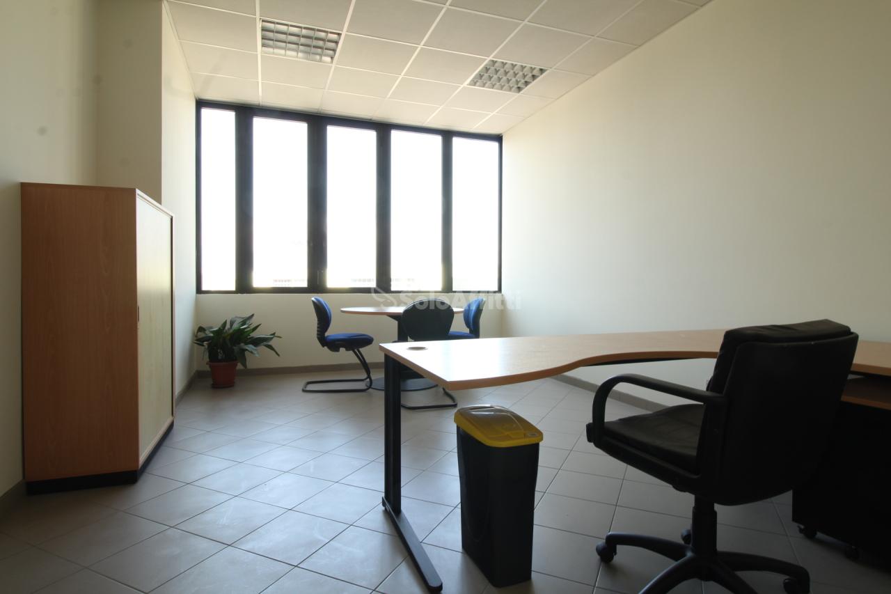 Ufficio / Studio in affitto a Ciriè, 1 locali, prezzo € 300 | PortaleAgenzieImmobiliari.it