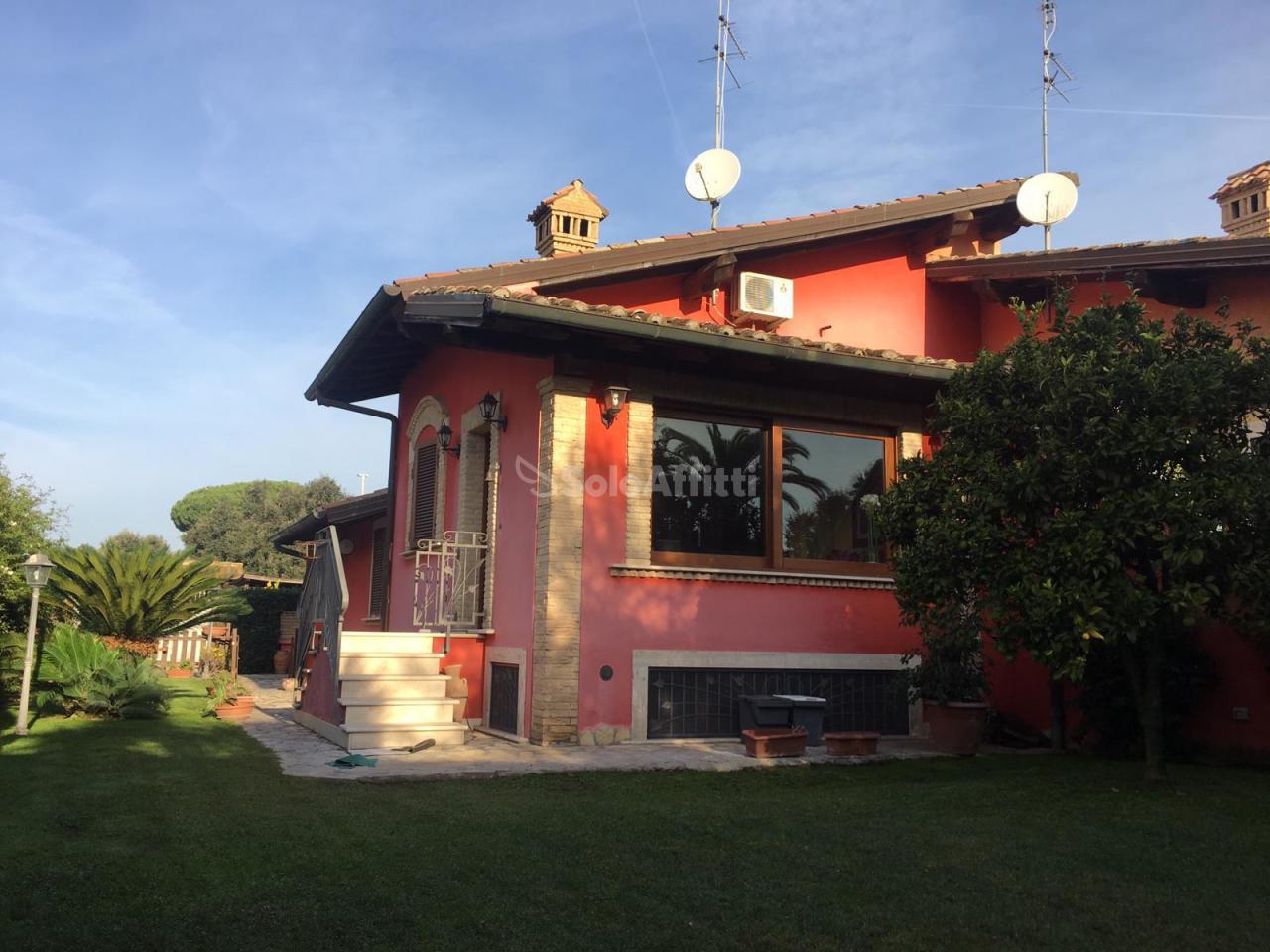 Villa in ottime condizioni arredato in affitto Rif. 9794456