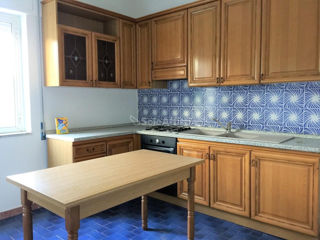 Trilocale in buone condizioni arredato in affitto Rif. 10238026