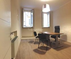 Ufficio in Affitto a Perugia, zona Centro Storico, 550€, 85 m², arredato