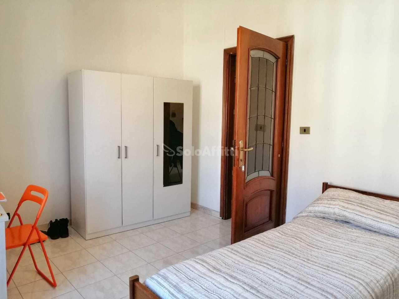 Stanza / posto letto in buone condizioni arredato in affitto Rif. 12165026