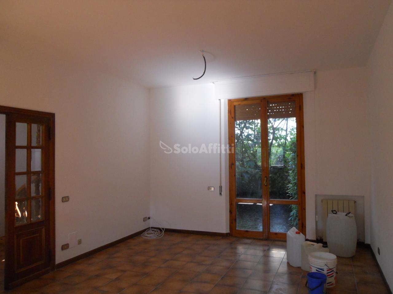 Appartamento in buone condizioni in affitto Rif. 5398090