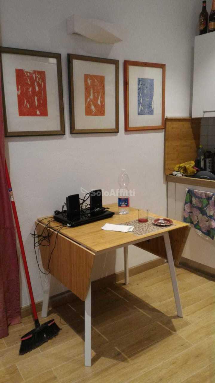 Bilocale in ottime condizioni arredato in affitto Rif. 11562799