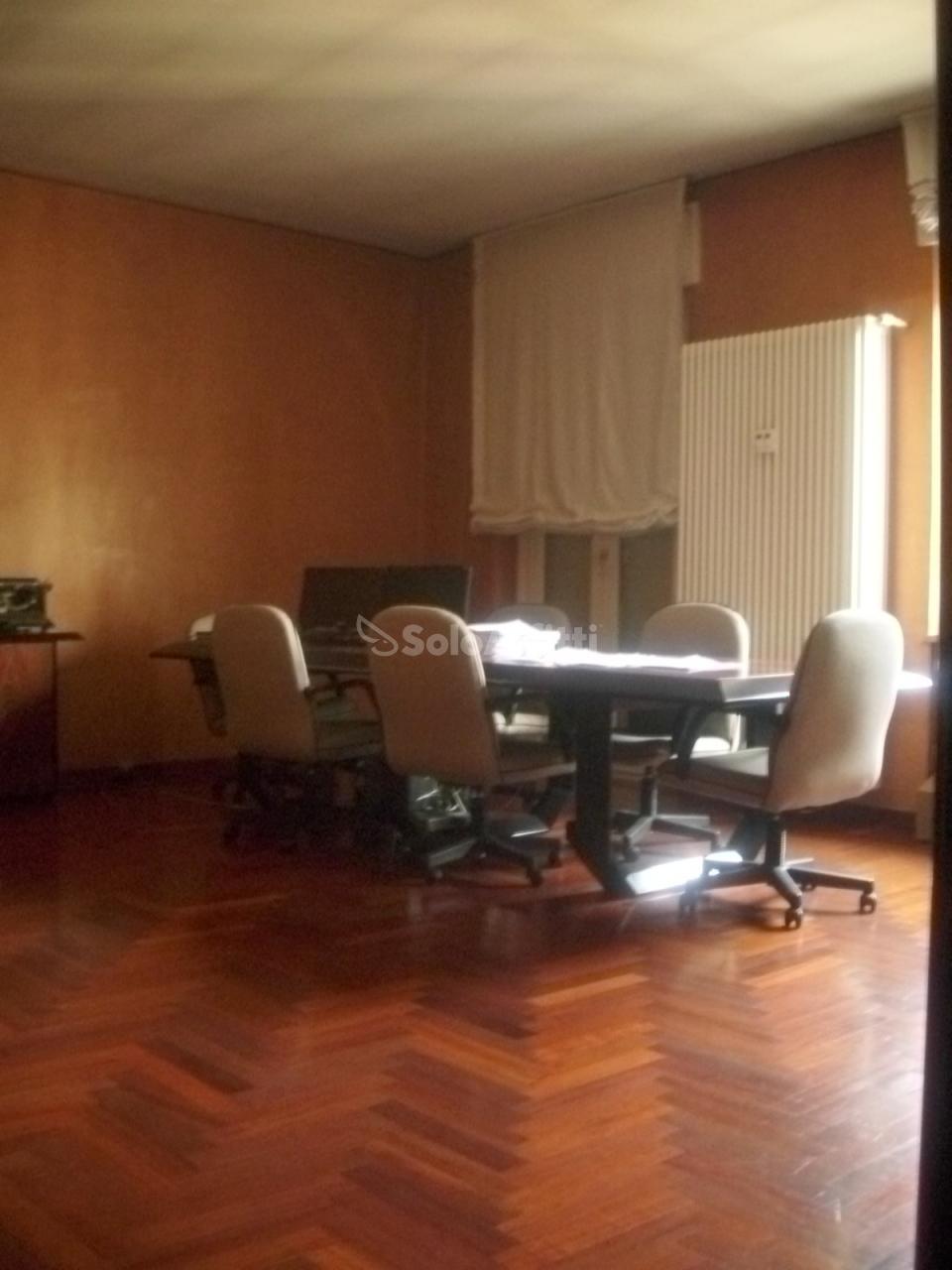 Ufficio - oltre 4 locali a Centro, Torino Rif. 4132796