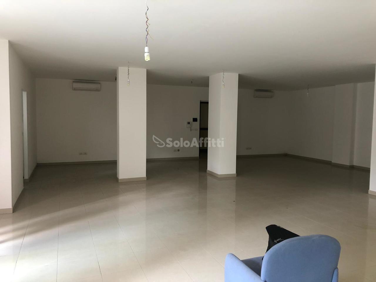 Ufficio - 1 locale a Stazione Centrale, Pescara Rif. 10445550