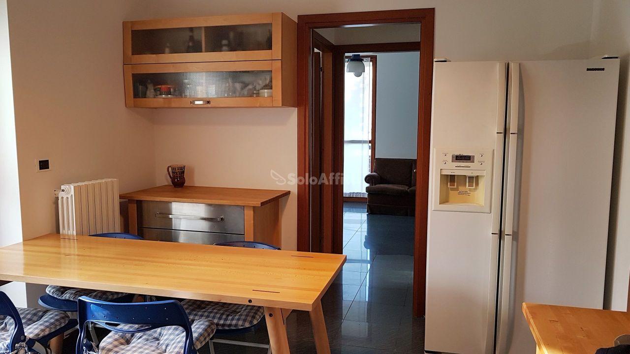 Quadrilocale in ottime condizioni in affitto Rif. 10306202