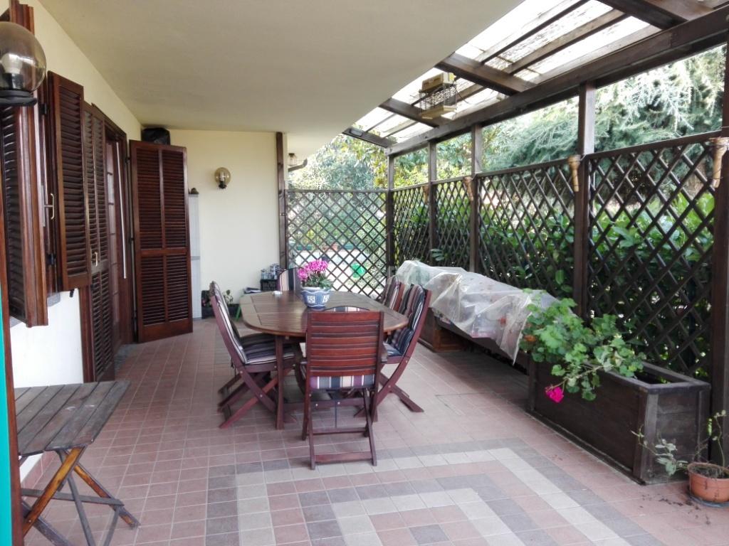 Villa in ottime condizioni in affitto Rif. 10253824