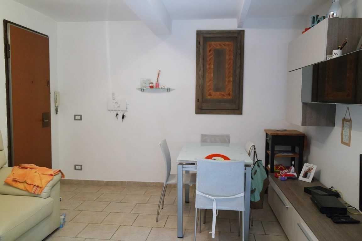 Appartamento in ottime condizioni in vendita Rif. 11328658