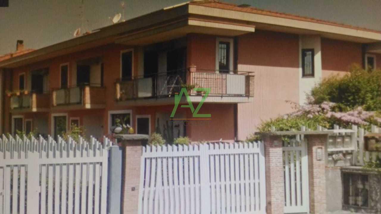 Villetta a schiera in buone condizioni in vendita Rif. 9534315