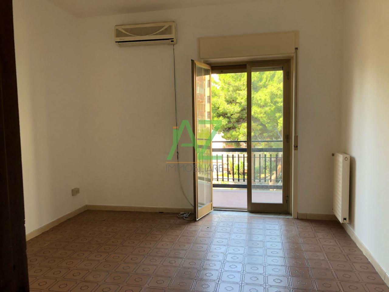 Appartamento in buone condizioni in affitto Rif. 7539481