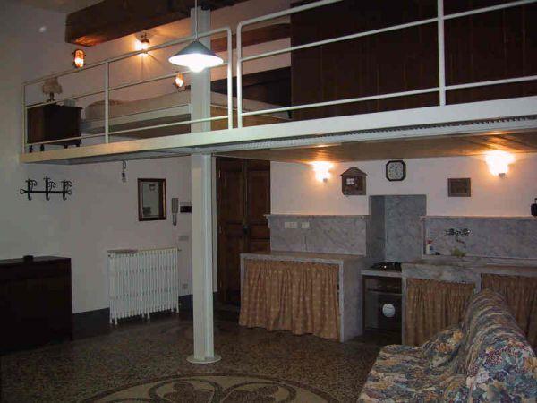 Appartamento in buone condizioni arredato in affitto Rif. 9135820