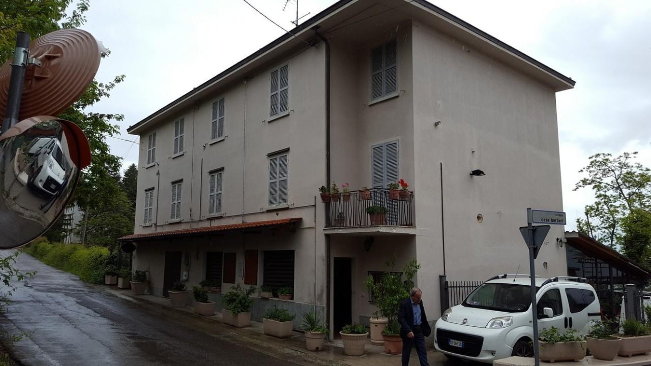 Locale commerciale - 1 Vetrina a Langhirano Rif. 9957666