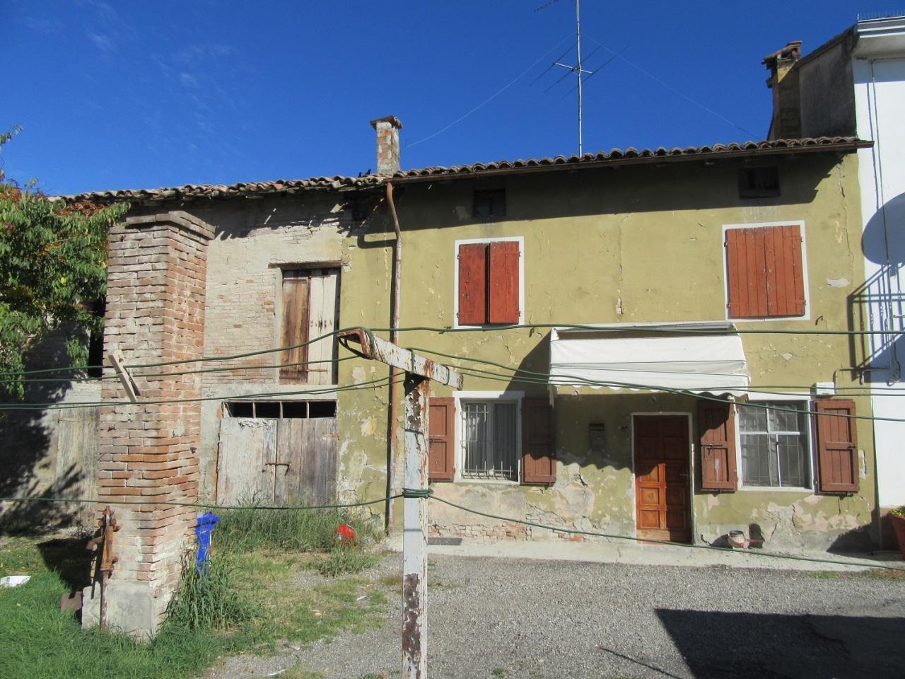 Casa Indipendente in discrete condizioni in vendita Rif. 4142045