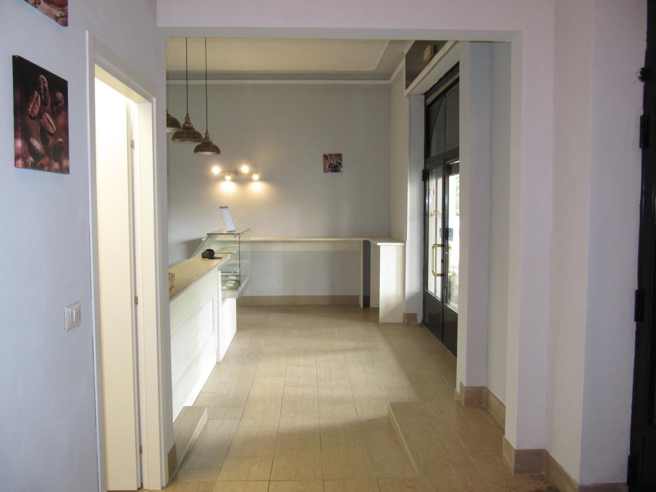 Commerciale - Due Vetrine a Parma Città Nord, Parma Rif. 10570682