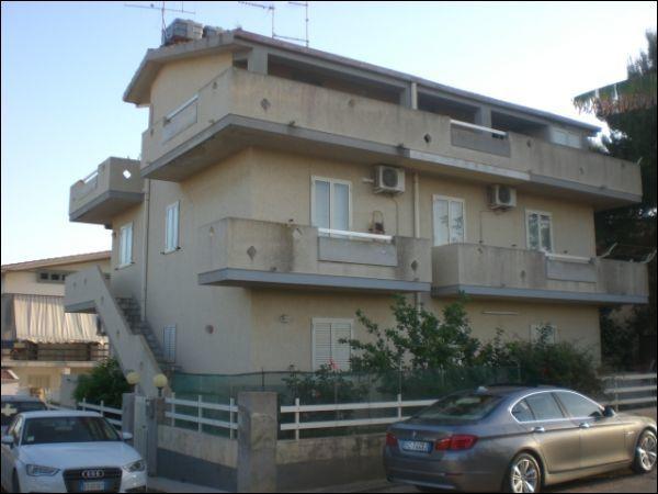 Appartamento da ristrutturare in vendita Rif. 5641058