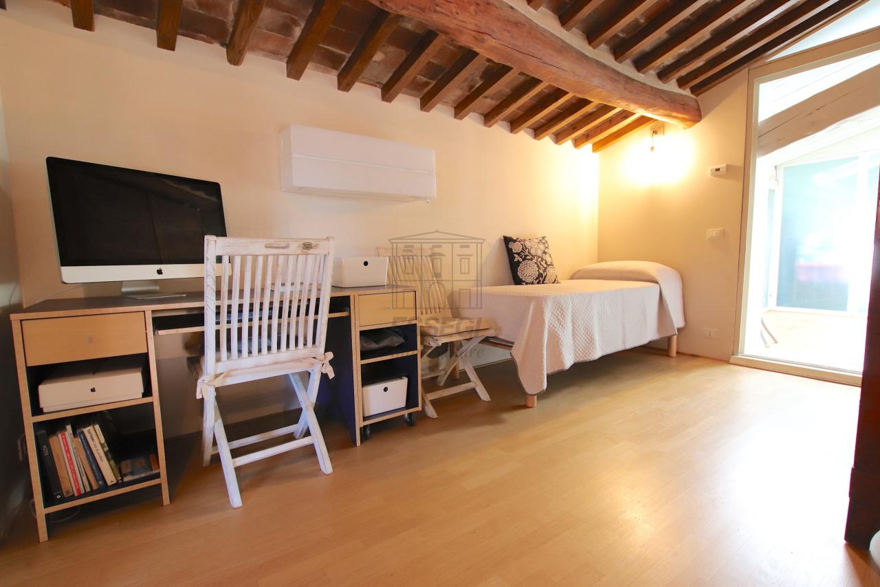 Appartamento Lucca Centro storico IA03502 img 51