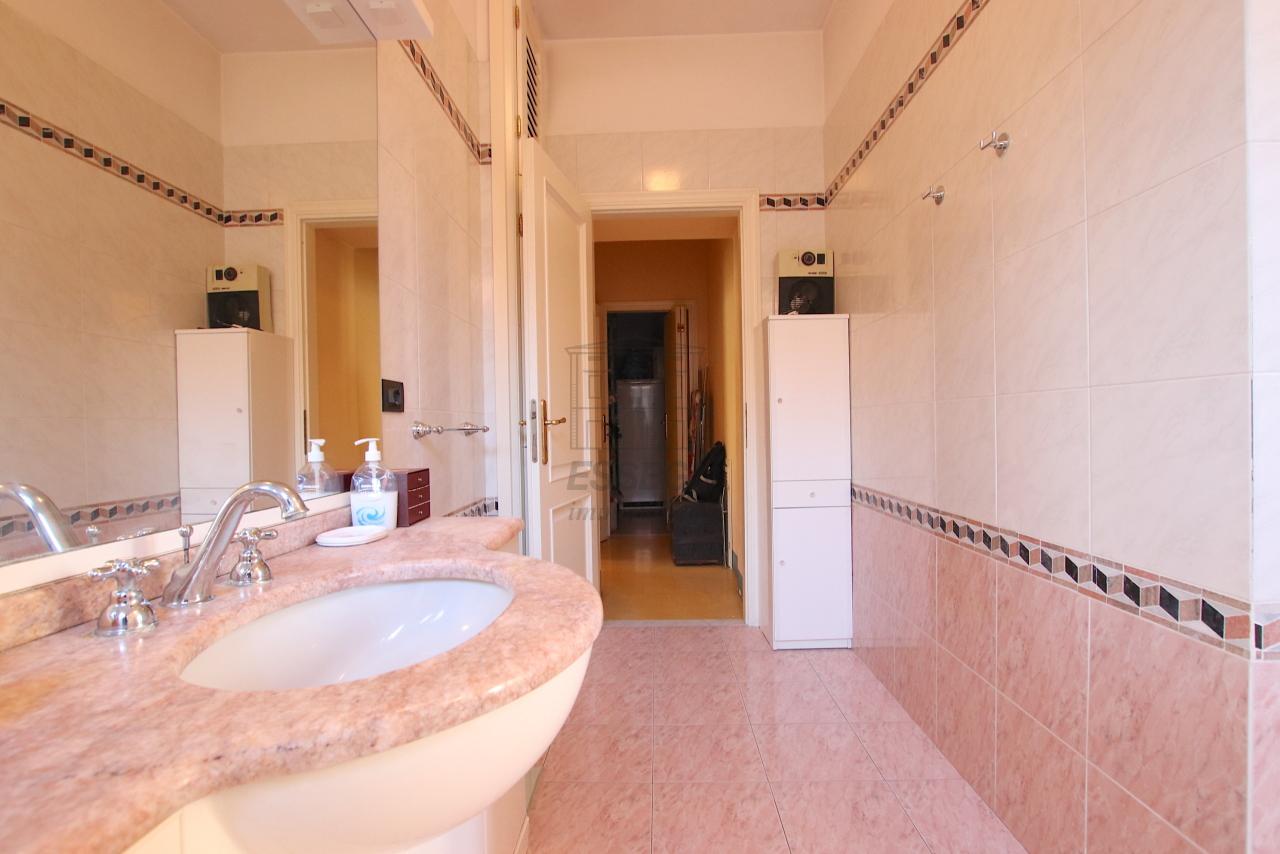 Appartamento Lucca Centro storico IA03526 img 12