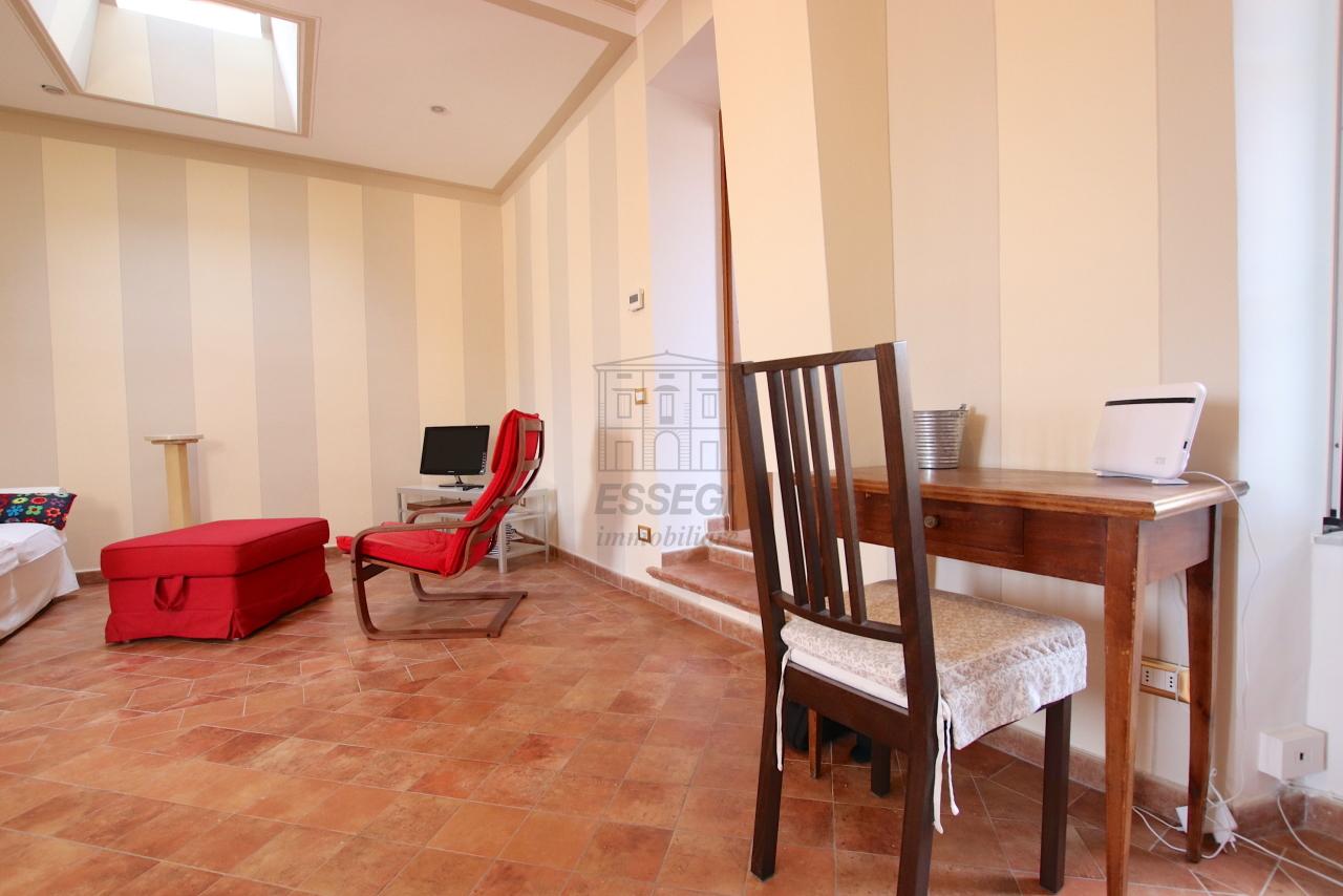 Appartamento Lucca Centro storico IA03545 img 16