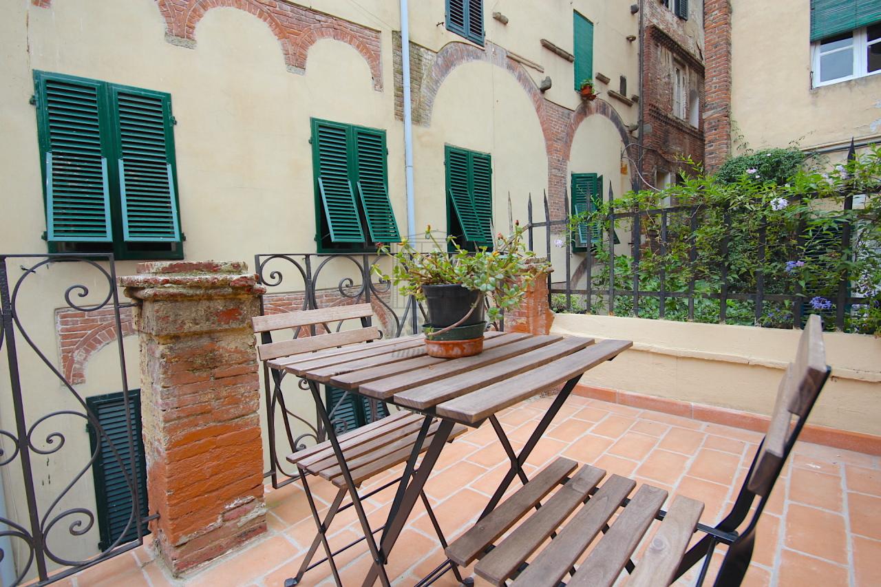 Appartamento Lucca Centro storico IA02853 img 3