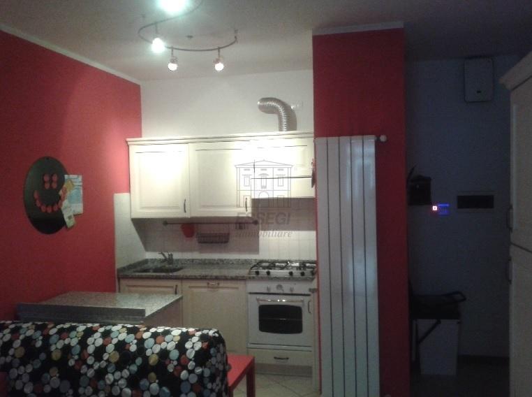 Appartamento in ottime condizioni in vendita Rif. 12393546