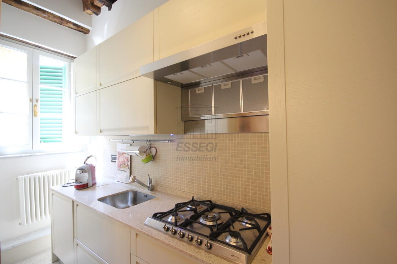 Appartamento Lucca Centro storico IA02785 img 2