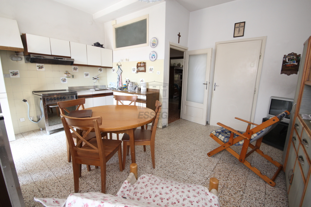 Appartamento Lucca Centro storico IA02899 img 17