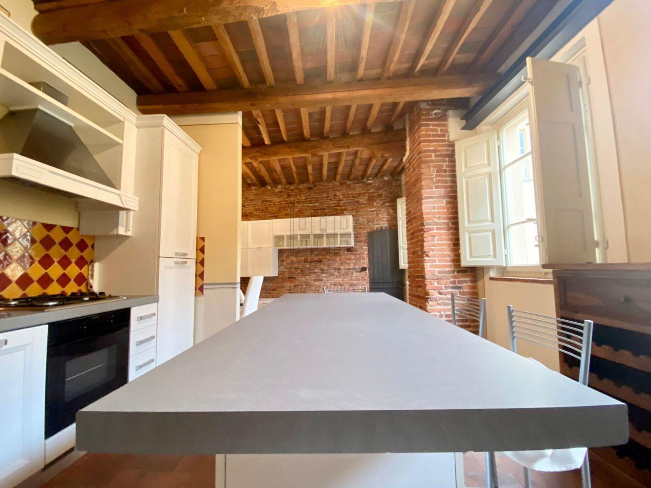 Appartamento Lucca Centro storico IA00032-1 img 3