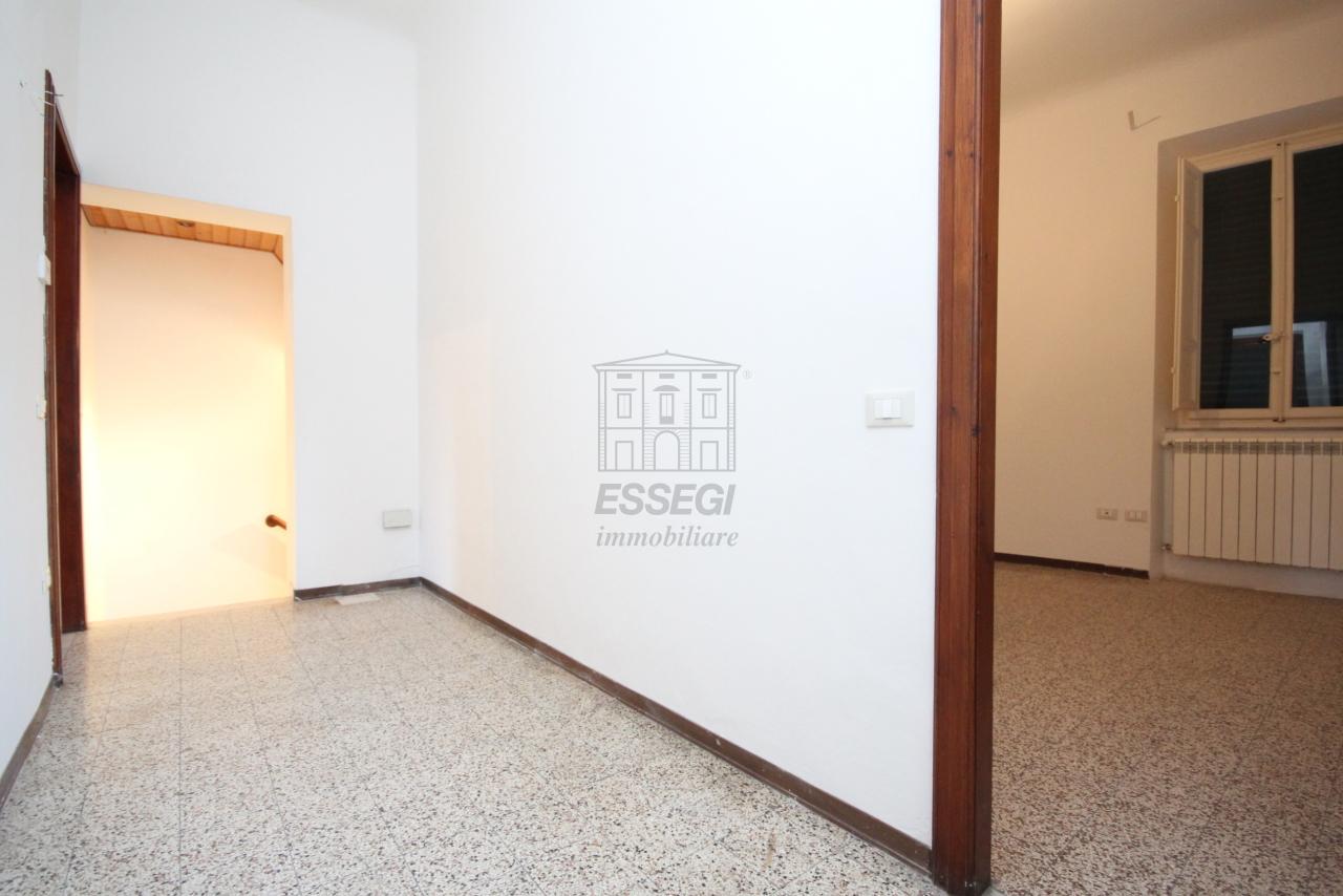 Appartamento Lucca Centro storico IA03397-bis img 24