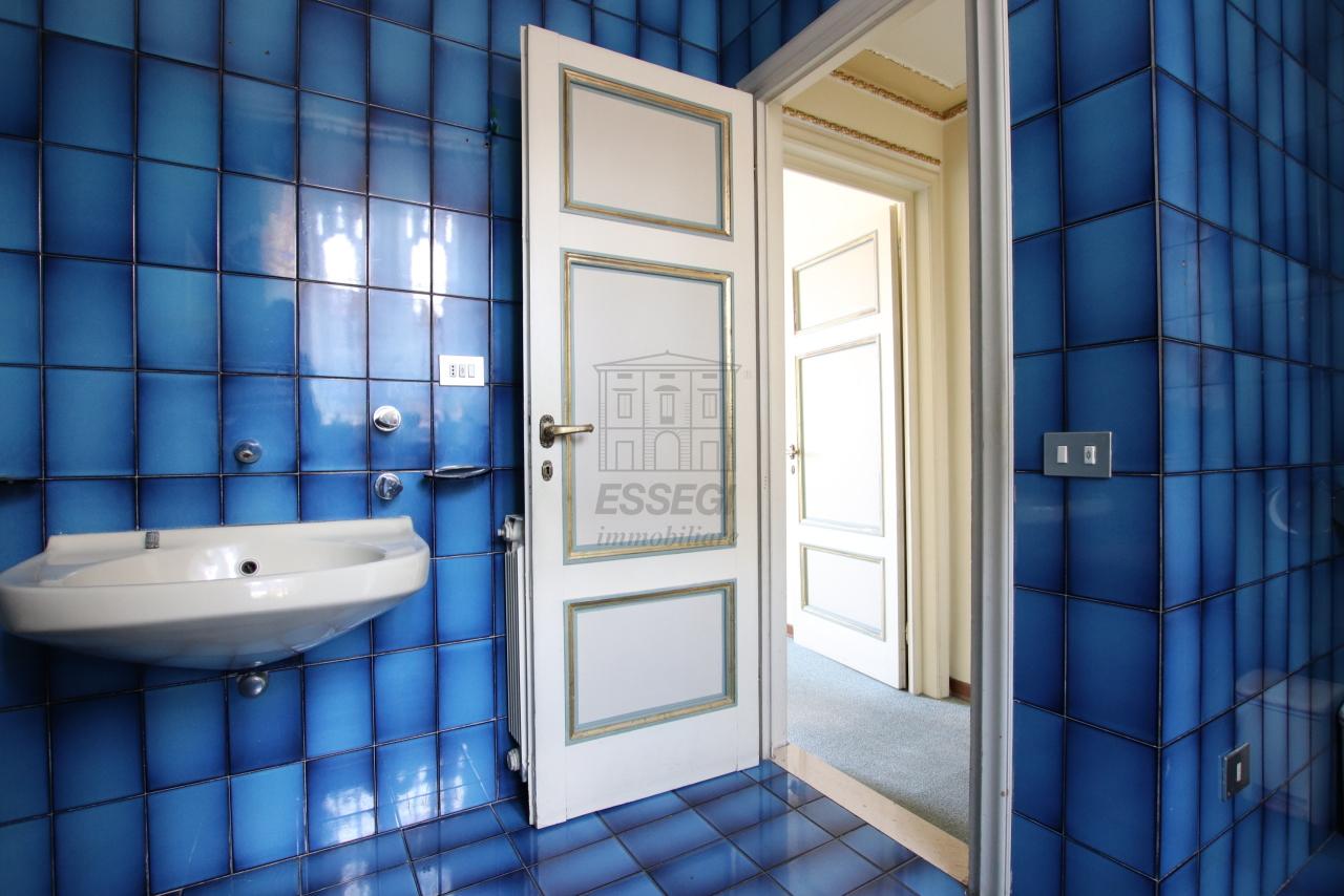 Appartamento Lucca Centro storico IA03468 img 12