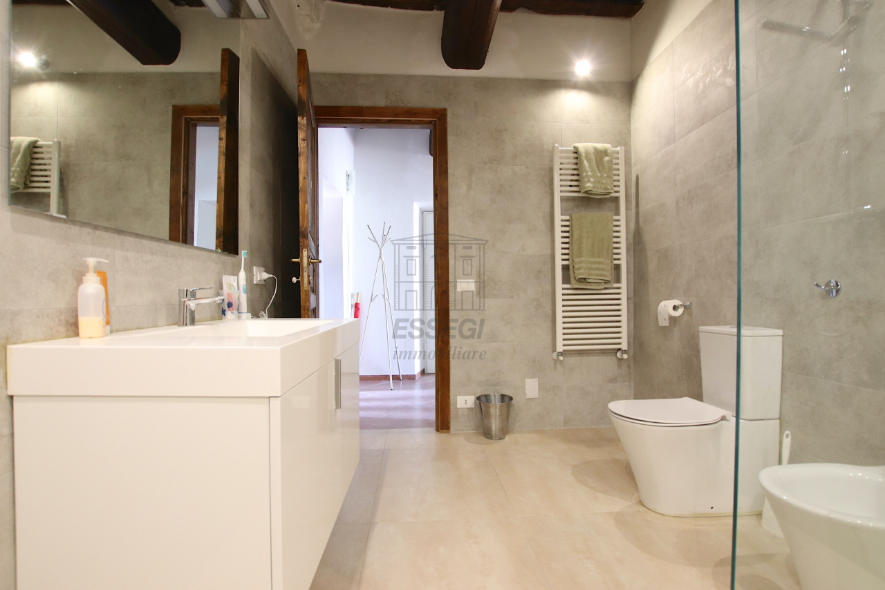 Appartamento Lucca Centro storico IA01844 img 19