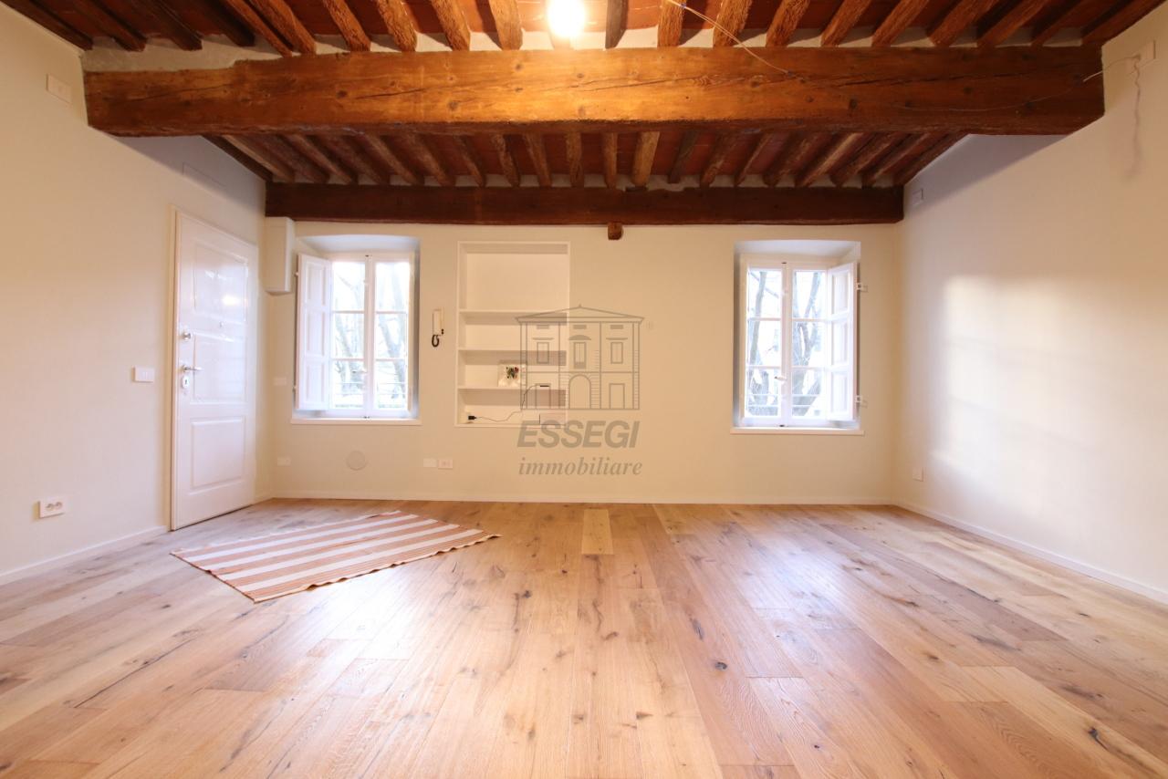 Appartamento Lucca Centro storico IA03520 img 5