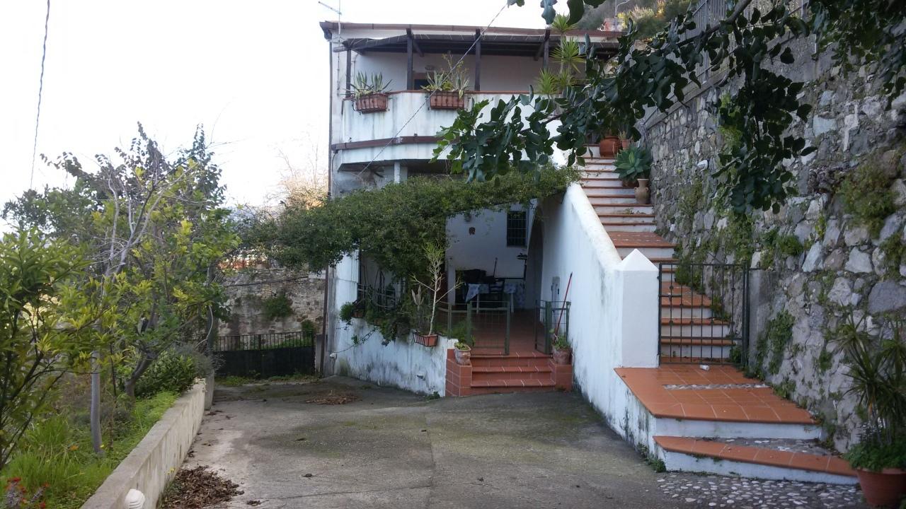 Appartamento in vendita a Scilla, 4 locali, prezzo € 85.000 | CambioCasa.it