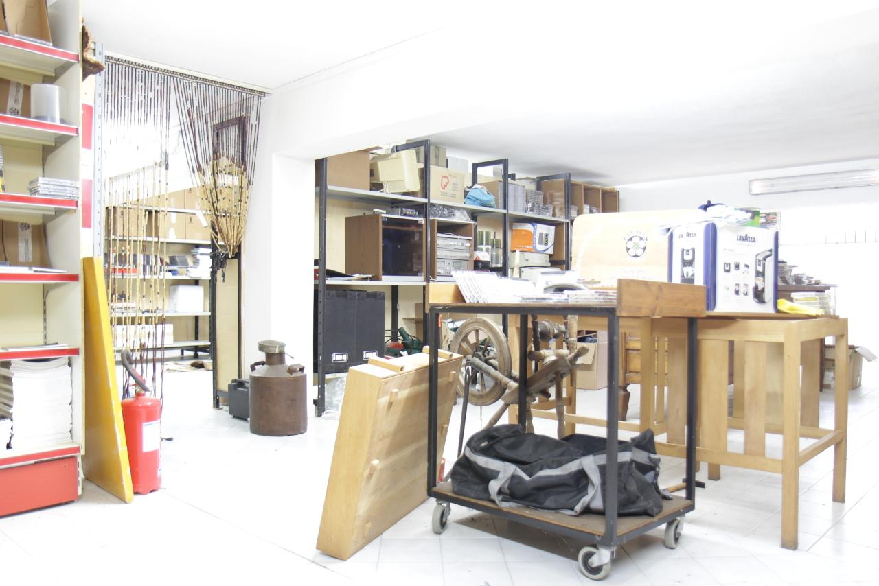Magazzino in vendita a Decimomannu, 3 locali, prezzo € 39.000 | CambioCasa.it