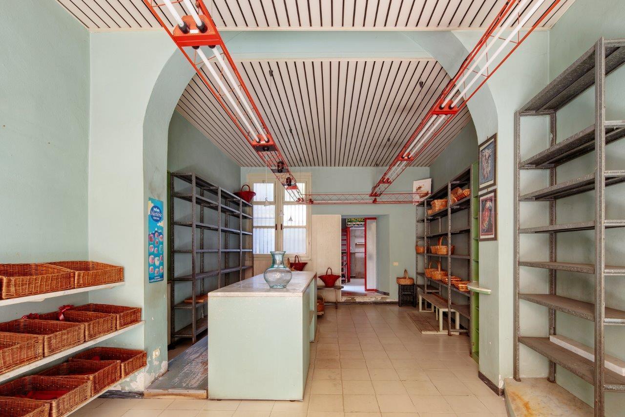 Negozio / Locale in vendita a Carrara, 1 locali, prezzo € 89.000 | PortaleAgenzieImmobiliari.it