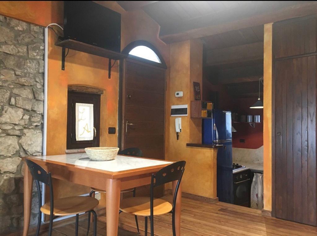 Appartamento in ottime condizioni in affitto Rif. 9191221
