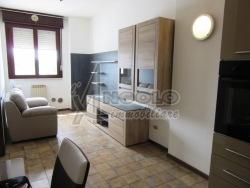 Trilocale in Vendita a Rovigo, zona CENTRO-QUARTIERI , 37'000€, 42 m²