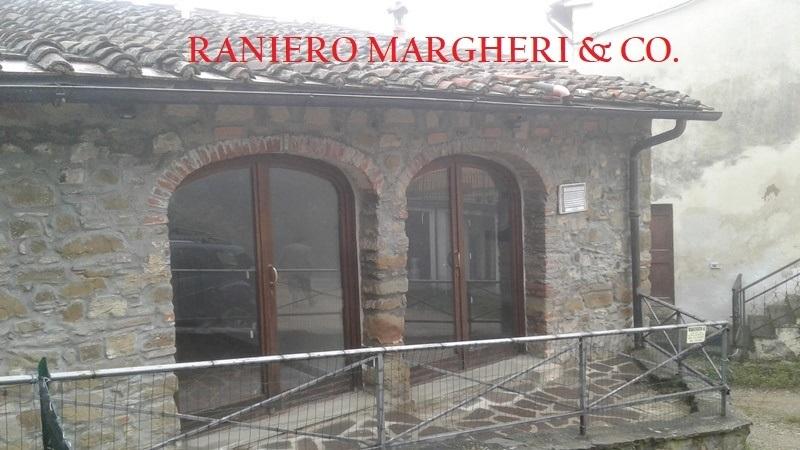 Casa Indipendente in buone condizioni in vendita Rif. 8960106
