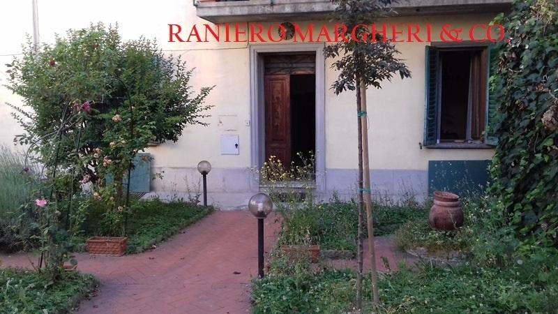 Appartamento in discrete condizioni in vendita Rif. 11138994