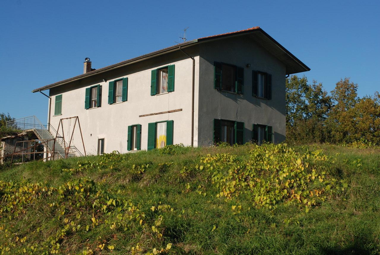 Rustico / Casale in buone condizioni in vendita Rif. 9811288