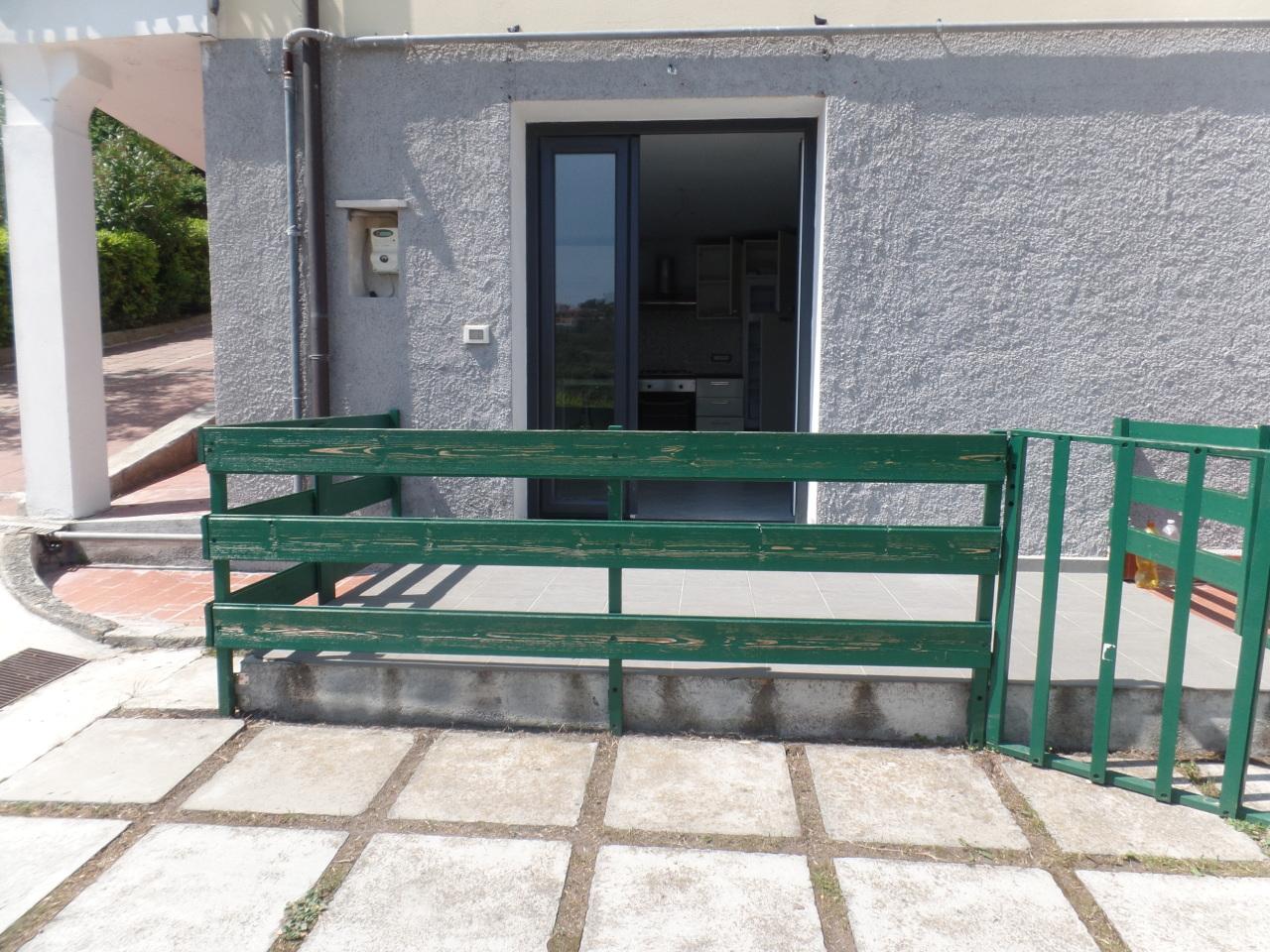Bilocale in buone condizioni arredato in affitto Rif. 8518428