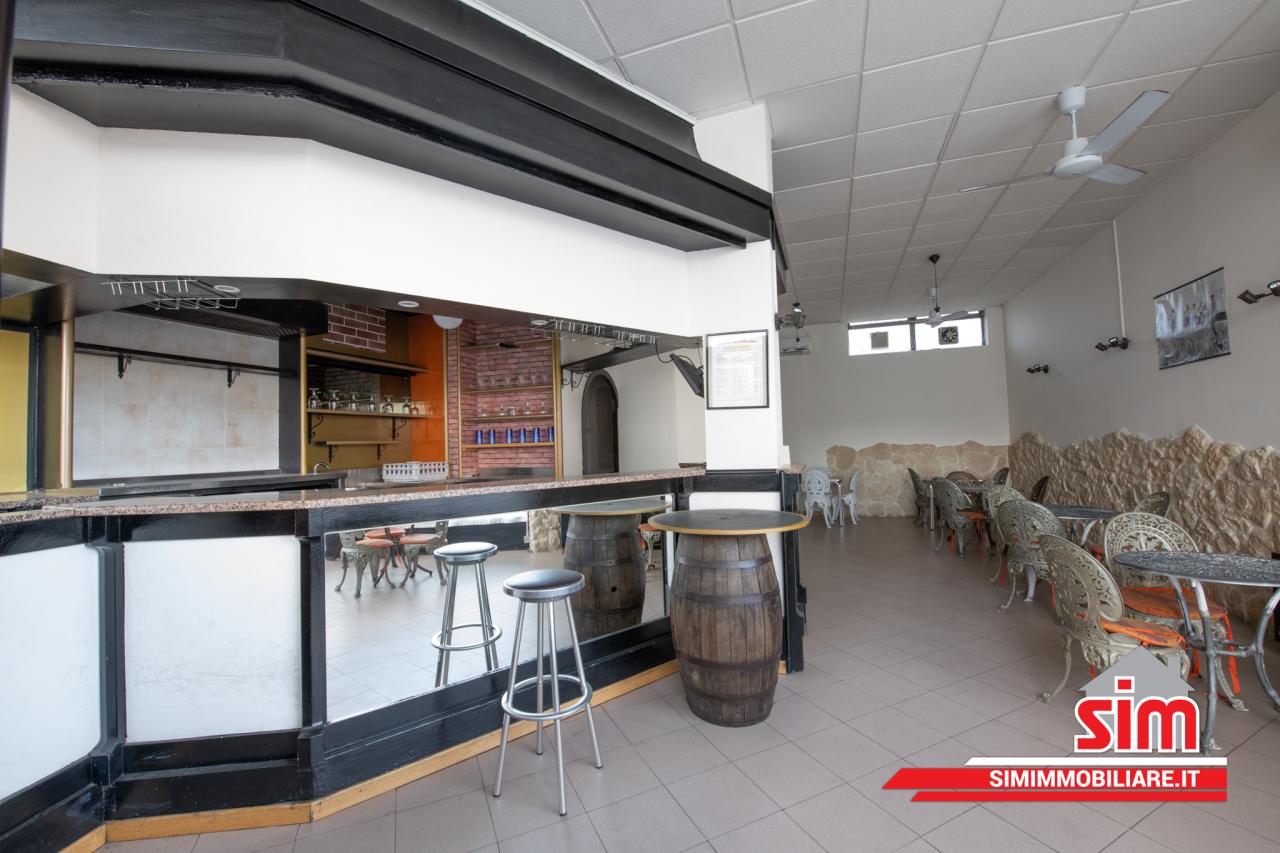 Negozio / Locale in vendita a Trecate, 1 locali, prezzo € 75.000 | PortaleAgenzieImmobiliari.it