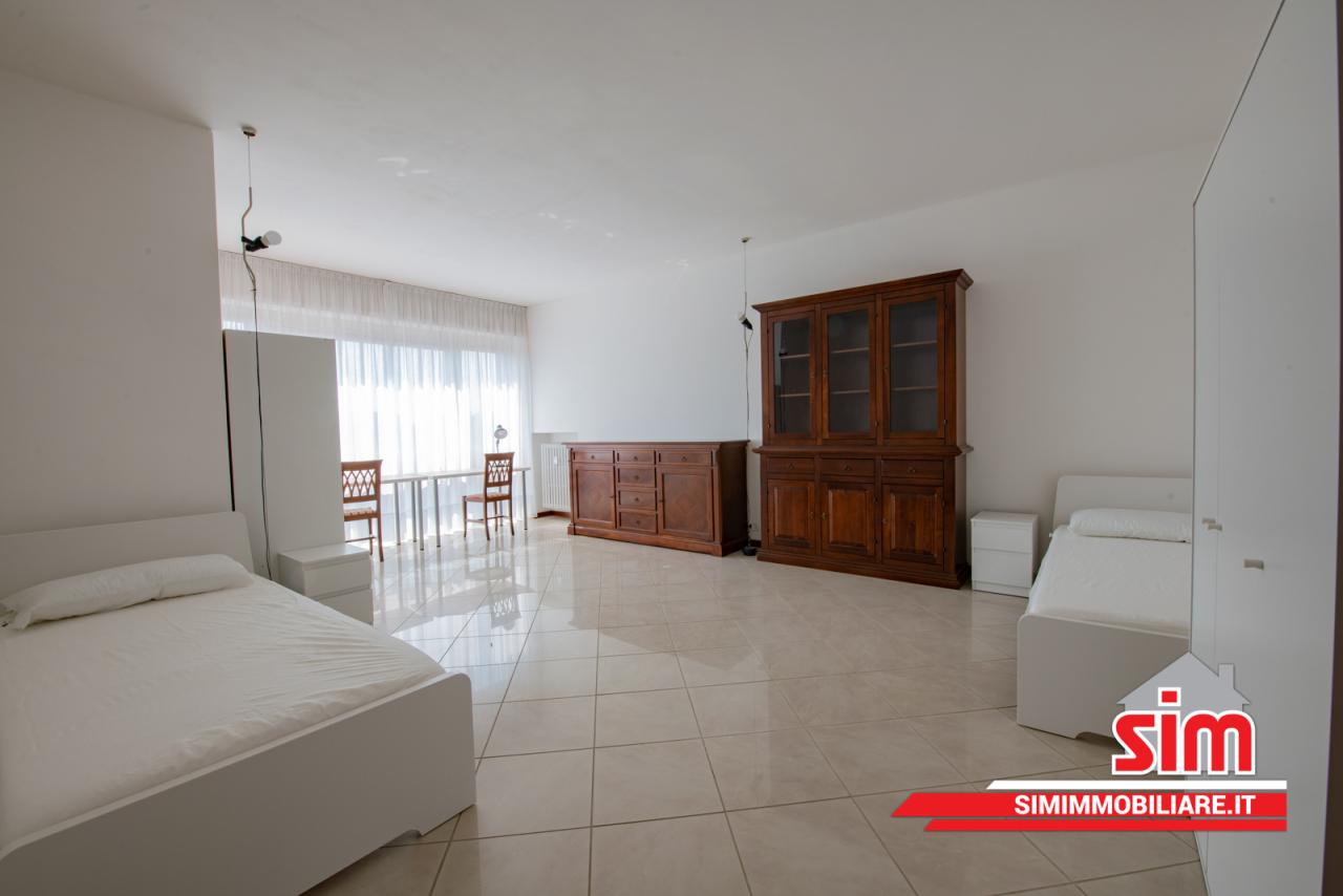 Appartamento in affitto a Novara, 4 locali, prezzo € 280 | PortaleAgenzieImmobiliari.it