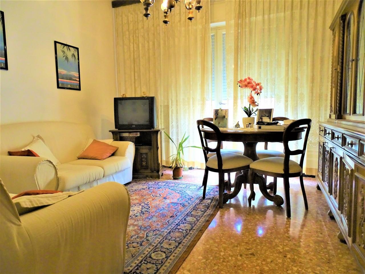 Appartamento in vendita a Pontedera, 4 locali, prezzo € 75.000 | CambioCasa.it