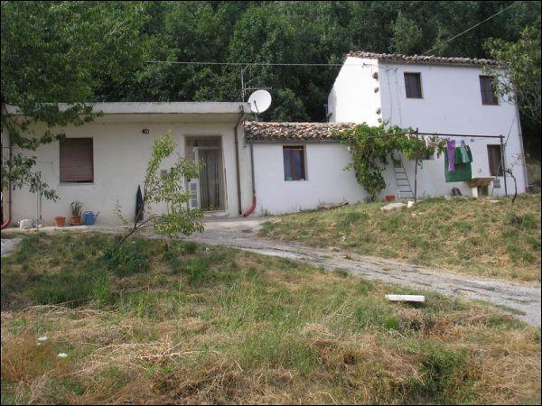 Casa Indipendente in discrete condizioni in vendita Rif. 4152075