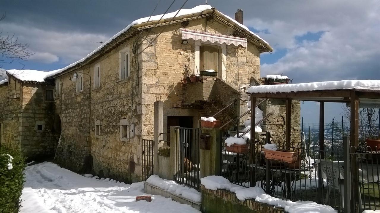 Casa Indipendente in discrete condizioni in vendita Rif. 4151807