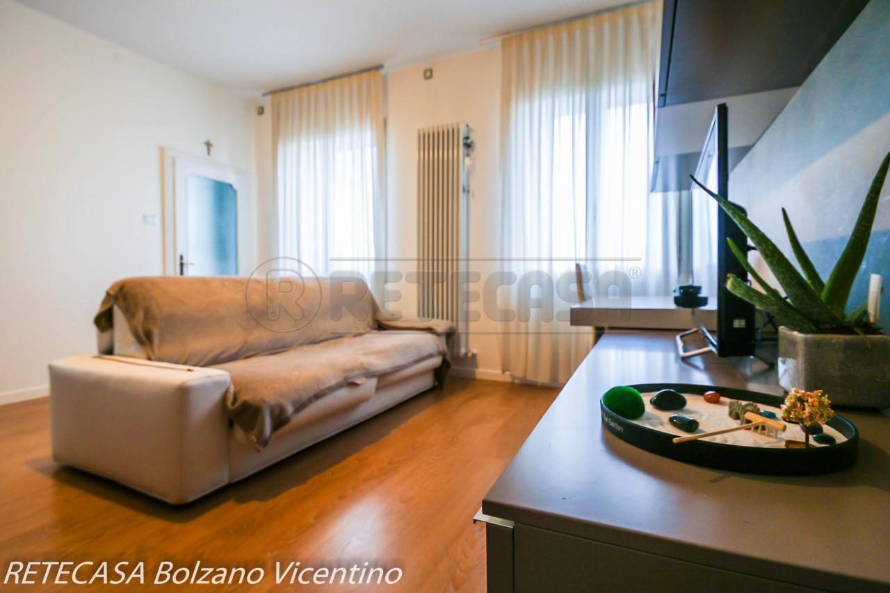 Appartamento in vendita a Bolzano Vicentino, 4 locali, prezzo € 78.000 | CambioCasa.it