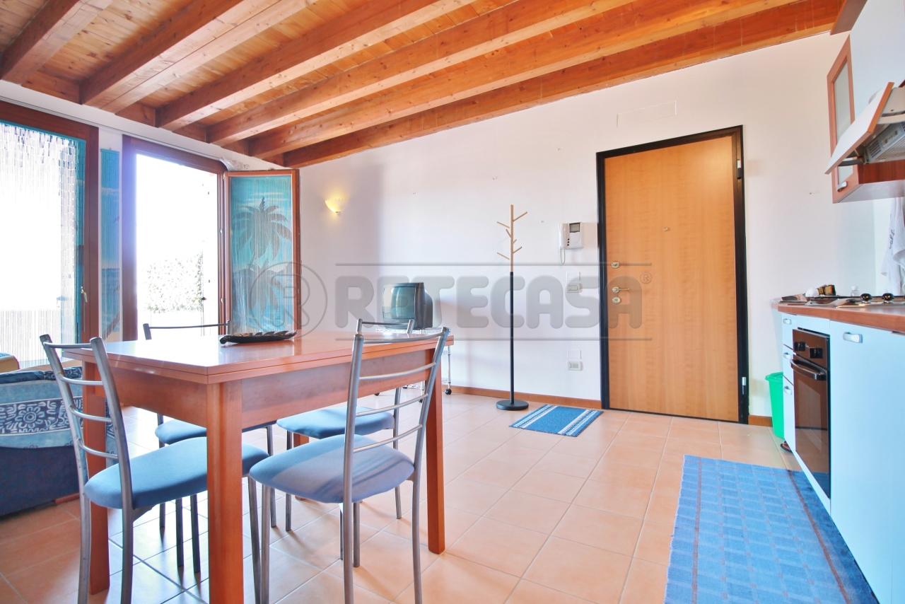 Appartamento in vendita a Montebello Vicentino, 3 locali, prezzo € 87.000 | CambioCasa.it