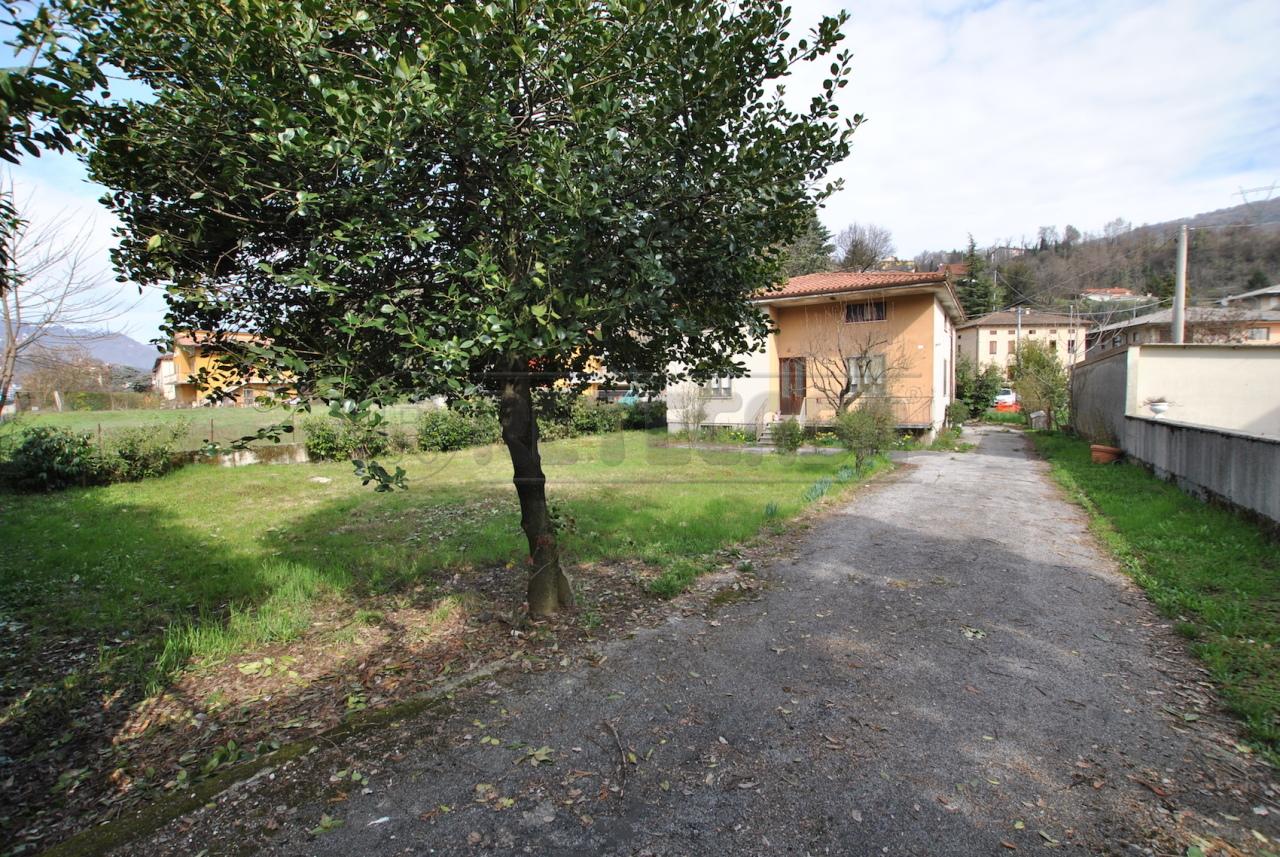 Casa Indipendente in discrete condizioni in vendita Rif. 12393444