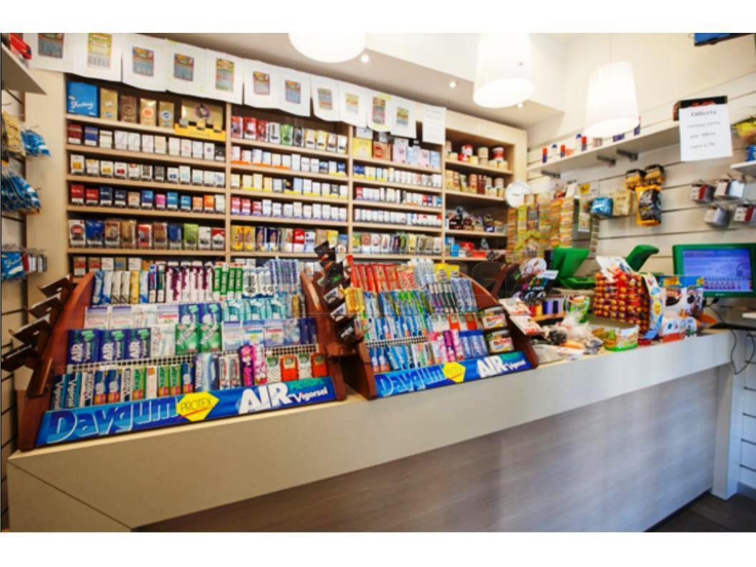 Attività commerciale - Tabaccheria a Centro Storico, Mantova Rif. 11131636